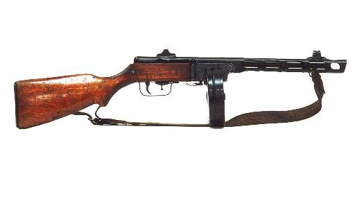 Ppsh je oblíbený sovětský samopal s kulatým zásobníkem. kvůli